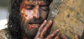 Venerdì Santo: il bacio della croce
