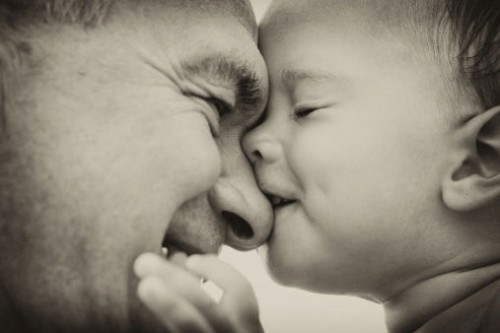 bambino-nonno-foto-bianco-nero-e1405428781668