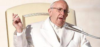 La parola di papa Francesco: Guardiamo al crocefisso