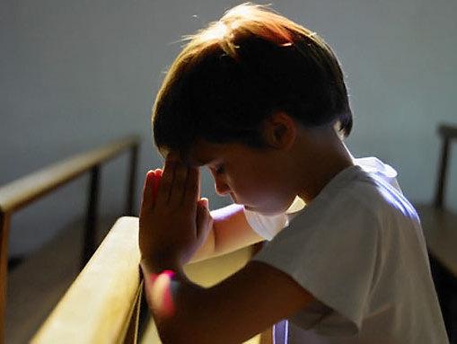 bimbo-in-preghiera