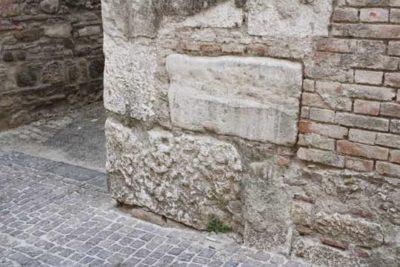 pietra scartata