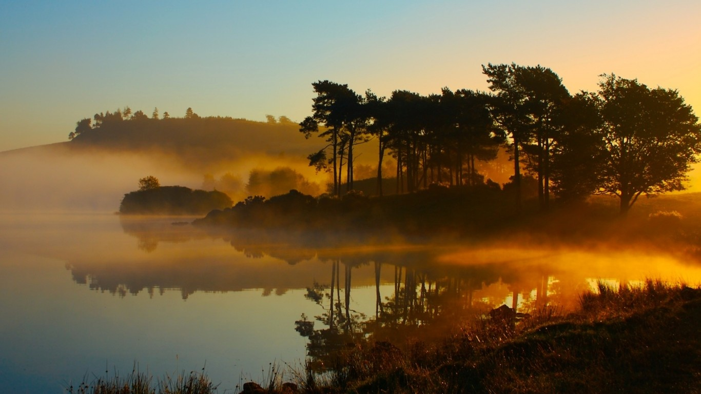 lago_nebbia_tramonto